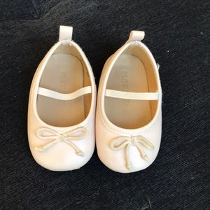 Old Navy pink ballerina shoes size 6-12 months